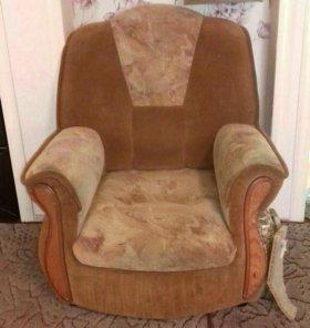 Продаю мягкий уголок и кресло