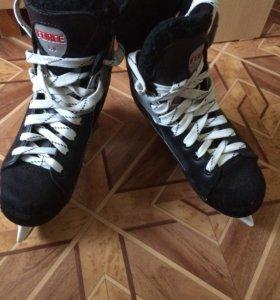 """Хоккейные коньки """" ATEMI"""""""