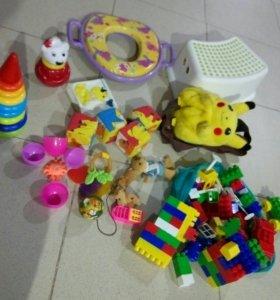 Игрушки, стульчик, рюкзак пакетом