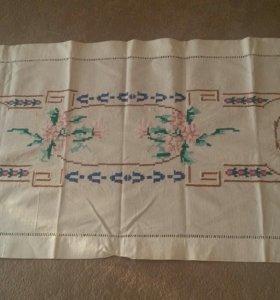 Старинная салфетка с вышивкой ручной работы