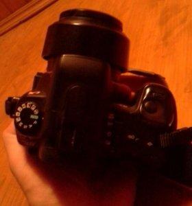Продам фотоаппарат Sony @300.