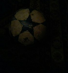 мячик Adidas