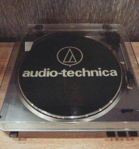 Проигрыватель Audio-Technica AT-LP60 USB