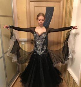 Очень красивое платье для бальных танцев