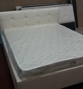 Кровать с матрасом 140*200см экокожа снежно белая