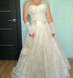 Свадебное платье + подарок фата, перчатки, сумочка