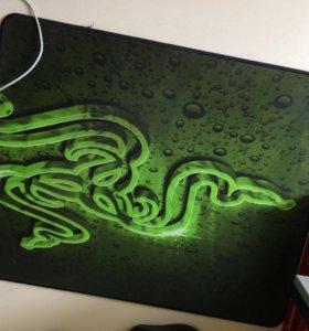Продаю игровой коврик Razer speed edishon
