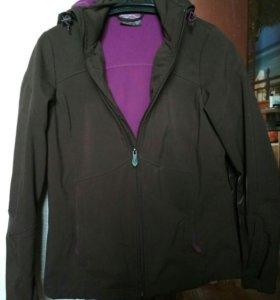Спортивная ветровка куртка