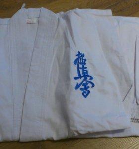 Кимоно для каратэ, рост 145-155 см.