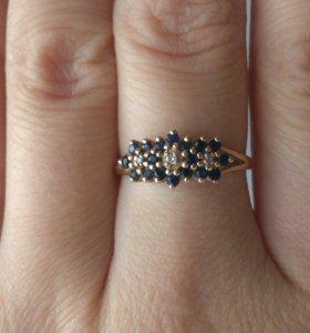 Золотое кольцо с сапфирами р 19,торг