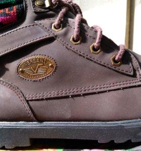 Женские ботиночки 38й размер новые