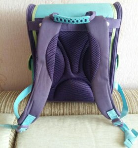 Рюкзак на жесткой спинке