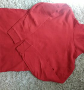 Красная водолазка