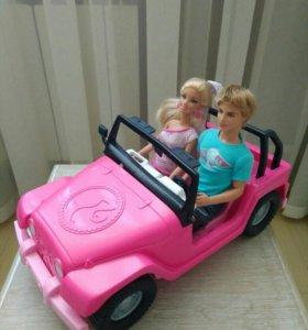Автомобиль с Барби и Кеном