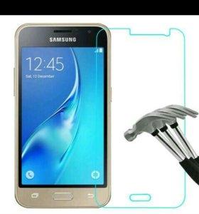 Защитное стекло Samsung Galaxy J1 2016