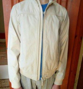 Куртка Benetton.