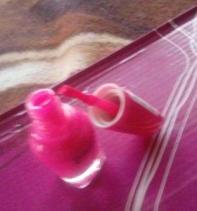 Ярко розовый лак