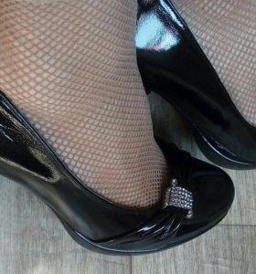 Туфли лак 38 р.