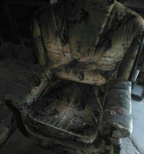 Мягкое кресло на дачу