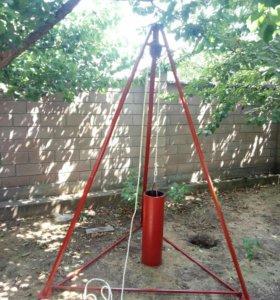 Ручная установка для бурения скважины на воду