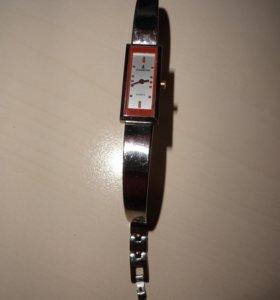 Наручные часы Luzeron