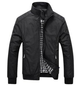 Модная куртка-бомбер