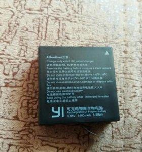 Xiaomi yi зарядное + 2 аккумулятора
