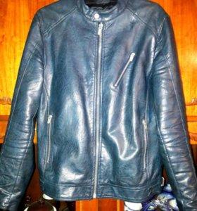 Кожаная куртка фирмы ZARA