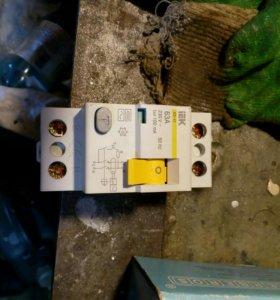 Автоматические выключатели IEK 3 фазные
