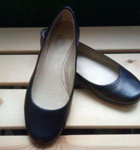 Туфли-балетки новые