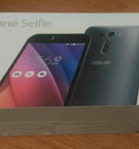 Смартфон ASUS ZenFone Selfie ZD551KL