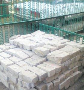 Кирпич б/у силикатный полуторный в количестве 300