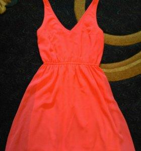 Платье ярко розовое