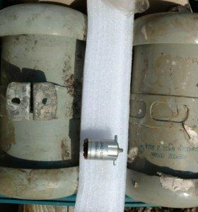 Конденсаторы К15у-2 20кВ 4700 пФ 200 квар новый