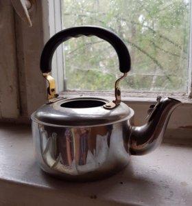 Чайник без крышки.