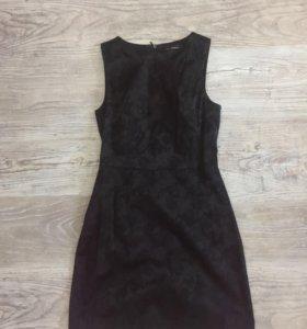Строгое чёрное платье