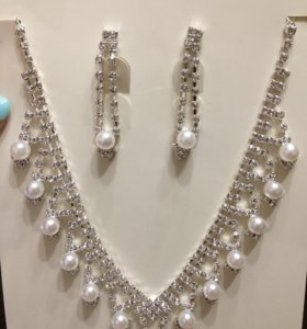 Набор ожерелье и серьги новый