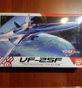 """Сборная модель самолета """"Валькирия"""" VF-25F"""