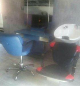 Парикмахерское кресло с зеркалом