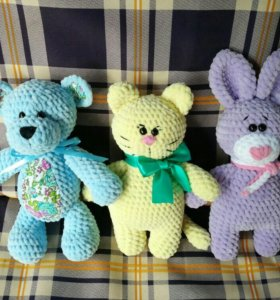 Плюшевые вязаные игрушки (мишка, котик и зайчик)