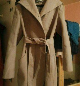 Пальто 48 р.