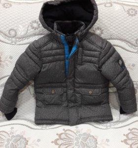 Куртка на мальчика 3-4 года.