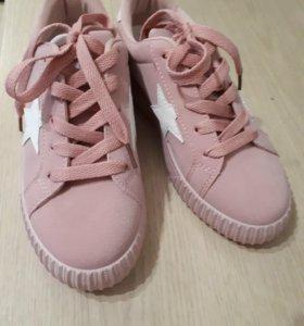 Новые кроссовки 36р-р