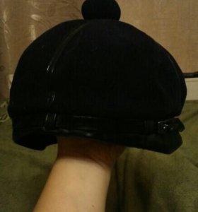 Новая теплая красивая шапка
