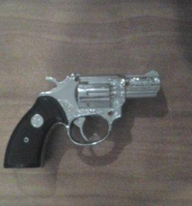 Пистолет маленький