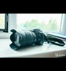 Nikon D3100 с объективом Nikon AF-S nikkor 18-105