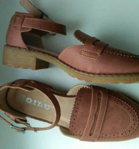 Удобные туфли, новые, 37-37,5 размер.