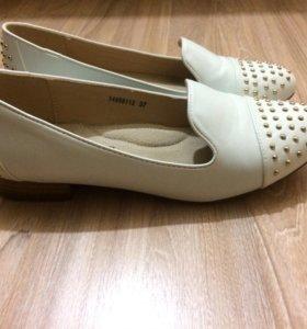 НОВАЯ женская обувь/лоферы