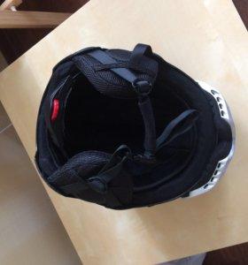 Лыжный шлем и очки