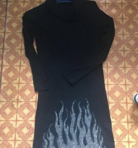 Платье тёплое по стразами